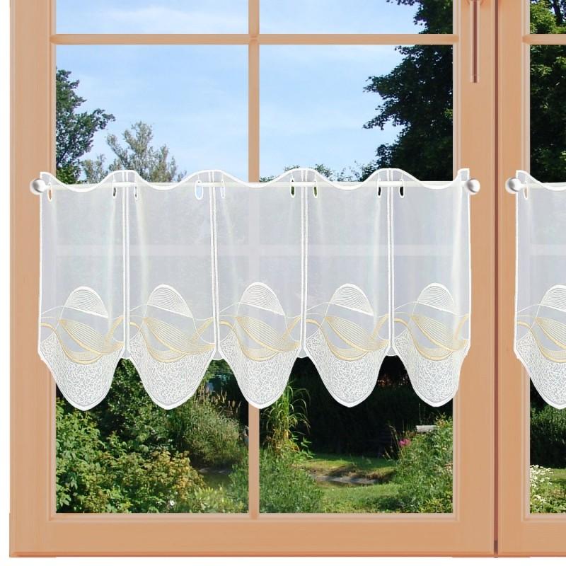 Scheibengardine Sari weiß am Fenster