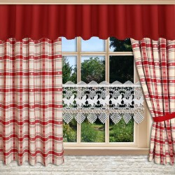 Querbang Fanni in rot uni mit Reihband am Fenster kombiniert mit Dekoschals