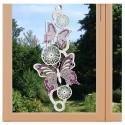 Fensterbild Frühling Schmetterlinge lila Echte Plauener Spitze am Fenster
