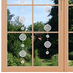 Fensterbild Girlande Sterne am Fenster