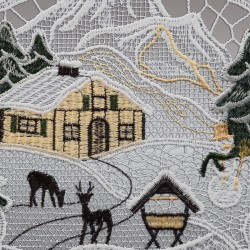 Klassisches Fensterbild Haus im Schnee mit Rehen und Futterkrippe Detailansicht Stickerei