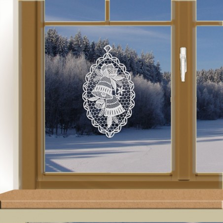 Klassisches Fensterbild Glocke am winterlichen Fenster