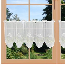 Scheibengardine Sari grün am Fenster