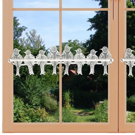 Feenhausspitze Spatzenfamilie am Fenster