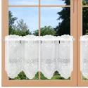 Bestickte Landhaus-Scheibengardine Herz Weiß 30 cm hoch an einem Fenster